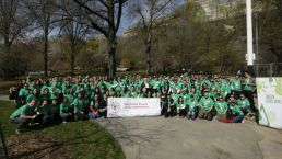 Comcast Cares Cleans Park on Earth Day