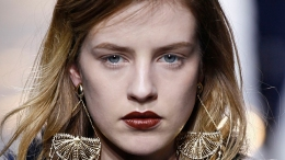10 Fall Runway Beauty  Looks to Try Right Now