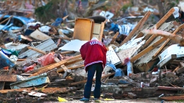 "Tragedy in Oklahoma: ""Horrific"" Damage For Miles"
