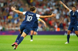 WATCH: Carli Lloyd's 2nd Wonder Goal