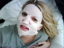 Celebrity Twitpics: Jessica Simpson's Scary Price of Beauty