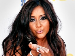 Snooki's Community Service: Sign Autographs