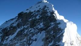 Wisc. Climber Survives Mount Everest Avalanche