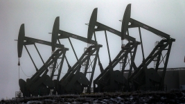 US Says Conserving Oil Is No Longer an Economic Imperative