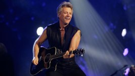 Bon Jovi Honors High School QB Who Died After On-Field Hit