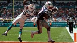 Antonio Brown Scores on Patriots Debut in Miami