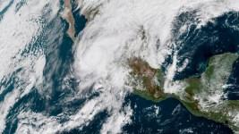 Willa Roars Over Mexico Prison Island, Heads for Resort Area