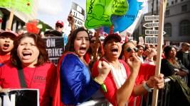 LA Teachers Strike to Stretch Into 6th School Day