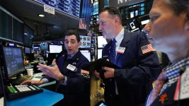 S&P 500, Nasdaq Close at Record Highs as Earnings Roll in