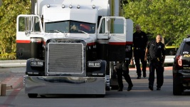 Driver of Texas Trailer Indicted for 10 Passengers' Deaths