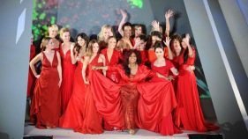 One Shot: Ladies in Red