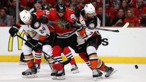 Blackhawks Beat Ducks 5-4, Tie Series 2-2