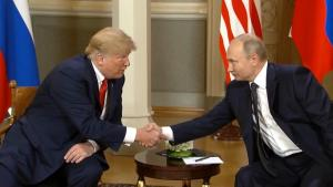 Voters Approve of Trump's Economy, Disapprove of Russia Ties