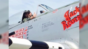 Air Show Pilots Pay Tribute to Comrade
