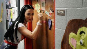 Katy Perry Visits UNLV Dorms, Knocks on Doors for Clinton