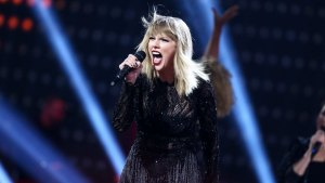 Lawsuit: Taylor Swift's 'Shake It Off' a Rip-Off
