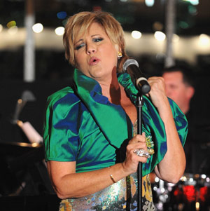 Lorna Luft Fêtes Mom Judy Garland With Tribute Show
