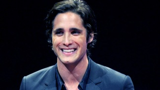 "Diego Boneta Joins Julianne Hough and Tom Cruise in ""Rock of Ages"""