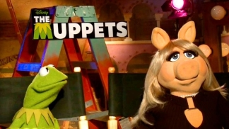 Kermit and Miss Piggy Return to the Big Screen
