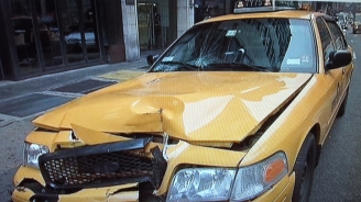 Taxi Jumps Park Ave. Curb, 5 Hurt