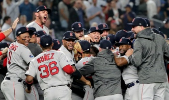 Red Sox Hold Off Yanks in Game 4, Face Astros in ALCS