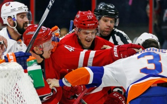 Islanders Swamped by Hurricanes 6-3