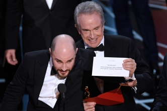 Academy Apologizes for Oscars Best Picture Gaffe