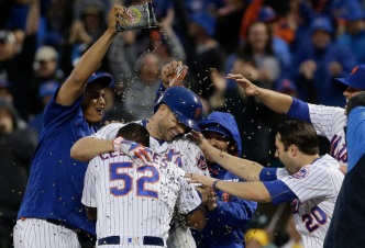 Mets Top Brewers, 5-4, on Wright's Walk-Off Single