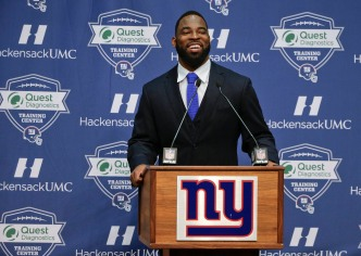 Two-Time Super Bowl Winner Retires as a Giant