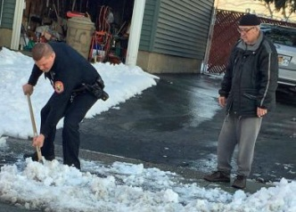 Cop Seizes Snow Shovel in Act of Kindness