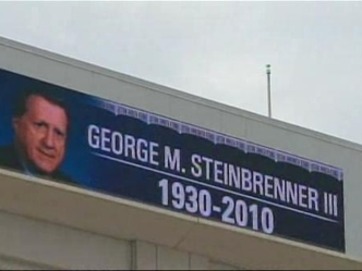 Fans Remember a Yankee Legend
