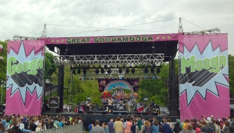 Sharon Van Etten, Father John Misty Play The Great GoogaMooga