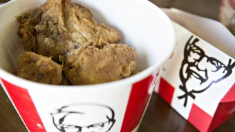 NYer Sues KFC for $20M over $20 Bucket of Chicken: Reports