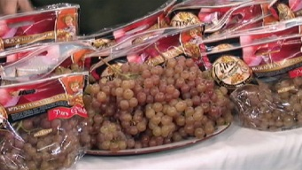 Produce Pete: Muscatel Grapes