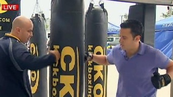 Raphael Miranda Tries Kickboxing at Expo