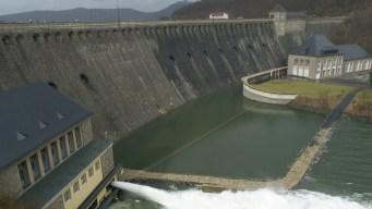Fish-Friendly Dams? Scientists Race to Reduce Turbine Trauma