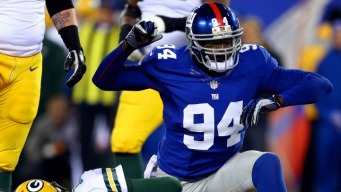 Giants Romp Packers 38-10