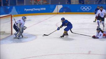 Sweden Scores Sixth Goal Taking Advantage of Goalie Change