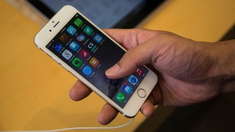 France Investigates Apple for Slowing Down Old iPhones