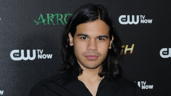 """Flash"" Star Carlos Valdes Sings in ""Zorba!"""