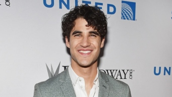 Darren Criss to Co-Host Online Tony Red Carpet Special