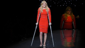 Lindsey Vonn Struts the Runway - With Crutches