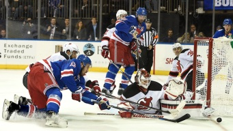 Rangers Beat Devils, 3-2, in Shootout