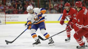 Tavares Scores in OT, Lifts Islanders Over Hurricanes 3-2