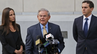 Menendez Jurors Hear Descriptions of Upscale Resorts