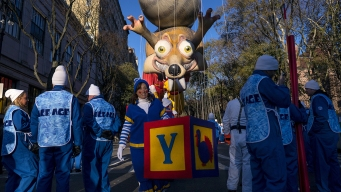 Macy's Parade Rolls on With Balloons, Bands and Security