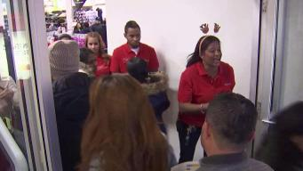 Black Friday Shoppers Search for Deals on Thanksgiving