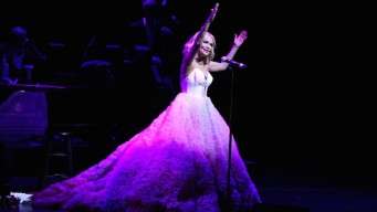 Kristin Chenoweth's Irresistible Love Letter to Broadway<br />