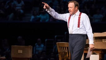 Kevin Spacey Serves Up Solo Show at Arthur Ashe Stadium
