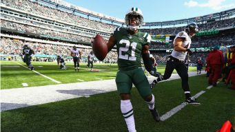 Jets Place Gilchrist, Giacomini on Injured Reserve